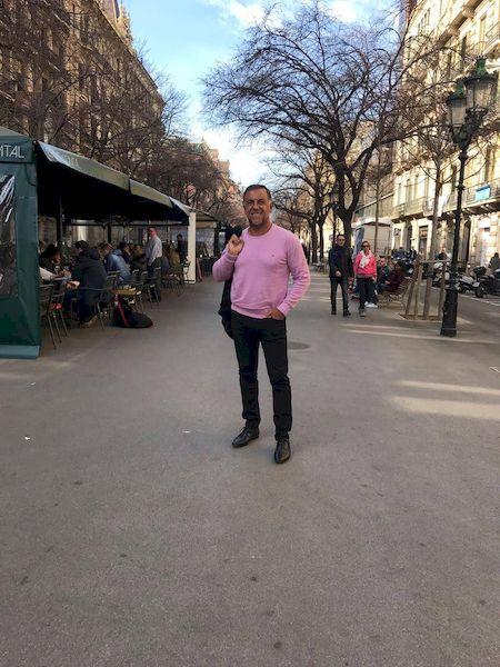 Huevo Sánchez  Huevo en Barcelona  Album: Mis Fotos  Dimensiones: 450x600
