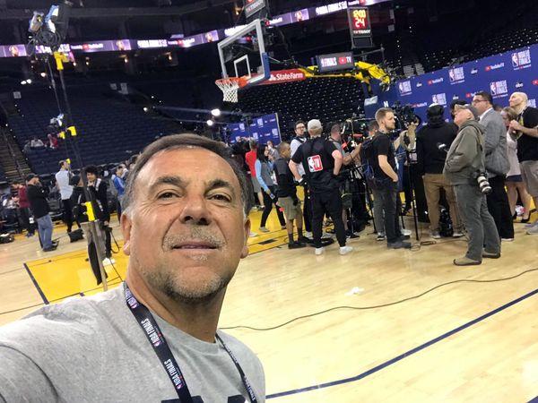Huevo Sánchez  Album: Finales NBA 2019  Dimensiones: 600x450