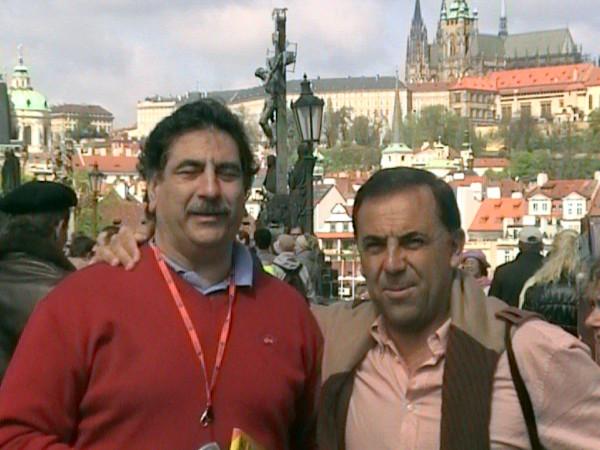 Huevo Sánchez  Con mi amigo Manolo Flores - detector de talentos del Barcelona  Album: Euroliga 2006  Dimensiones: 600x450
