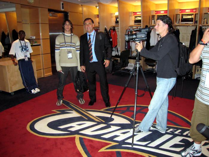 Huevo Sánchez  Album: Finales NBA 2007  Dimensiones: 700x525