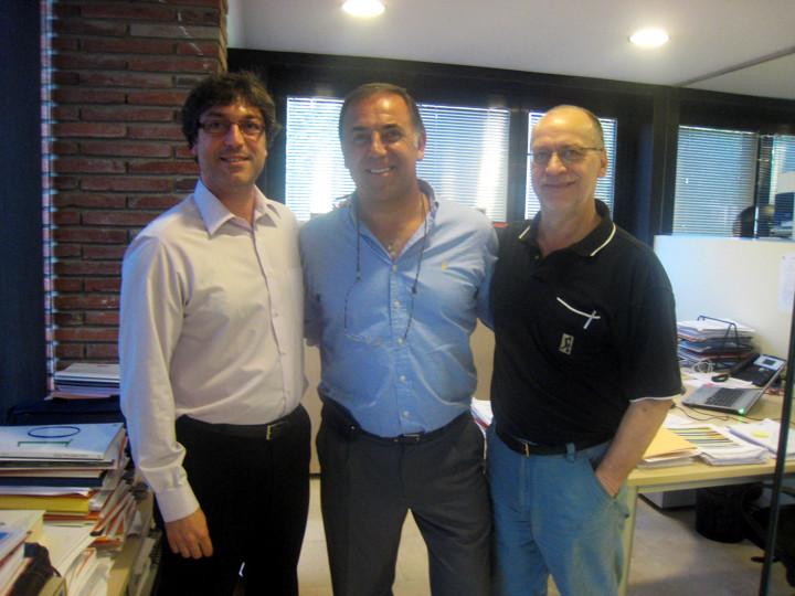 Huevo Sánchez  En las oficinas de la ACB  Album: Euroliga 2011  Dimensiones: 720x540