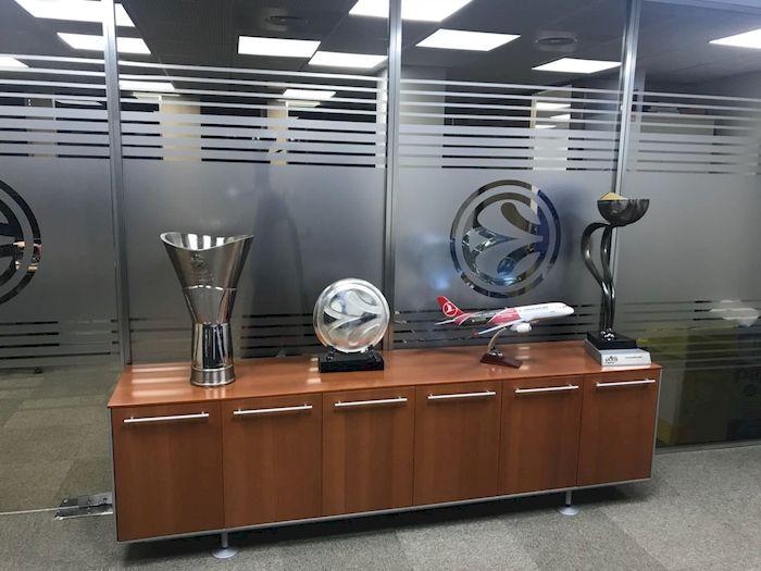 Huevo Sánchez  Album: Euroliga 2018  Dimensiones: 700x525