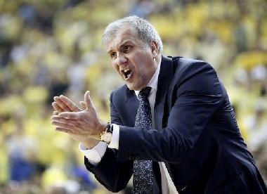 Obradovic controló los playoffs a su antojo